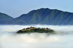 「竹田城跡」の画像検索結果