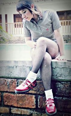 Skinhead Girl, Skinhead Fashion, Skinhead Style, Chelsea Cut, Chelsea Girls, Mod Fashion, Punk Fashion, Girl Fashion, Belle