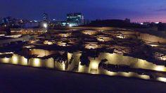 Iluminación monumental de la Huaca Pucllana en Miraflores, Lima Encontrá la galería completa