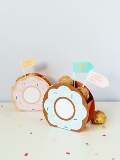 Free Printable DIY Donut Hole Favor Boxes | Shauna Younge