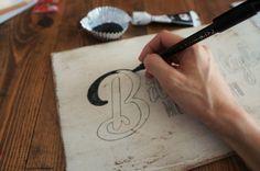 【ステンシル】もう切り抜かなくていい!手書きでサインボード*細い字も曲線も簡単!|LIMIA (リミア)