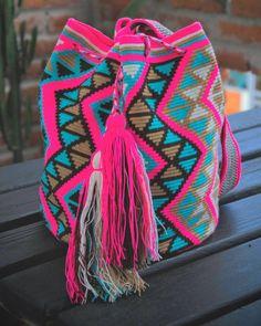 610 отметок «Нравится», 5 комментариев — Wayuu Co (@wayuuco) в Instagram: «In mad love with our one thread ~ Pink Yosuzi Mochila ~ Available Shop link in Bio - Envío Gratis…»