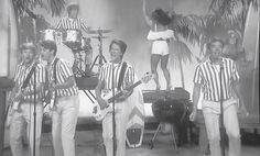 Watch Jimmy Fallon and Kevin Bacon have 'Fun, Fun, Fun' with Beach Boys hit