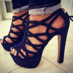 High heels are a must-have fashion item for woman. Whether it's in the form of stilettos, wedges to high pumps … Hot Shoes, Women's Shoes, Me Too Shoes, Shoe Boots, Louboutin Shoes, Ugg Boots, Blue Shoes, Blue Pumps, Fall Shoes