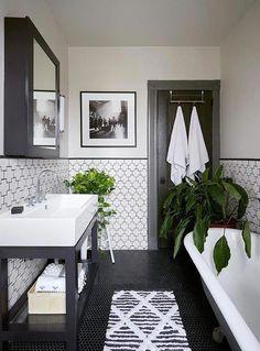 Modern Farmhouse Master Bath Renovation - Obsessed with our vanity spaces! Modern Farmhouse Master Bath Renovation - Obsessed with our vanity spaces! Bad Inspiration, Bathroom Inspiration, Interior Minimalista, Bathroom Flooring, Bathroom Remodeling, Remodel Bathroom, Remodeling Ideas, Bathroom Cabinets, Bathroom Mirrors