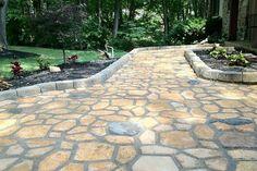 Cómo hacer un camino de cemento en el jardín y que tenga un aspecto natural
