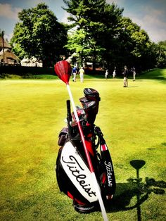Great picture of the baskets used instead of flags at Merion.