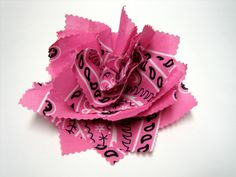 Sewing and Crafting with Sarah: How to Make Bandana Rag Bow. looks kinda like what you made but pointier? Cloth Flowers, Diy Flowers, Fabric Flowers, Handmade Flowers, Bandana Crafts, Bandana Bow, Bandana Ideas, Burlap Rosettes, Bow Tutorial
