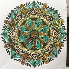 Xenos mandala met Bruijnzeel keverblik, MXZ en Expression, alsmede 1 FC artist pen Mandalas Drawing, Mandala Painting, Mandala Art, Zentangles, Adult Coloring Pages, Coloring Books, Mandela Stones, Hearth Tiles, Macro Flower