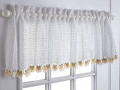 A valance is a half-curtain and this free Talking Crochet pattern by Diane Stone offers a great choice if that's what you're looking for in your crochet curtain! There are 10 free crochet curtain patterns here. Crochet Daisy, Thread Crochet, Filet Crochet, Knit Crochet, Crochet Gratis, Crocheted Flowers, Crochet Curtain Pattern, Crochet Curtains, Crochet Patterns