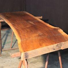 massive baumtischplatte nussbaum tischplatten nussbaum pinterest nussbaum massivholztisch. Black Bedroom Furniture Sets. Home Design Ideas