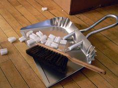 need a good metal dustpan...NO plastic!