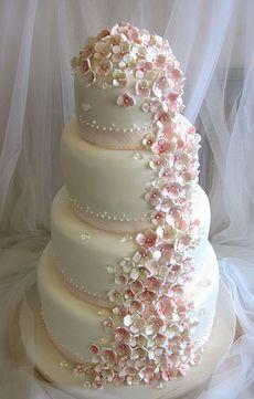 Hääkakku, kakkuhelmi Wedding Cake Inspiration, Wedding Cakes, Bridal, Party Ideas, Beautiful, Google Search, Food, Cake Wedding, Hoods