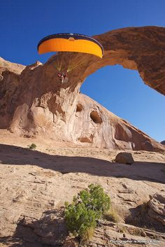 Paragliding in Utah, USA. © Robert Kittila