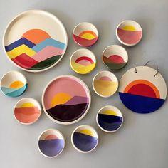 PAULINE WOLSTENCROFT Ceramic Decor, Ceramic Plates, Ceramic Pottery, Pottery Art, Ceramic Art, Pottery Painting Designs, Paint Designs, Cute Crafts, Diy And Crafts