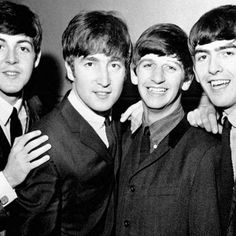 Primeiro contrato dos Beatles é vendido por US$ 93 mil http://historiasgaucha.blogspot.com.br/