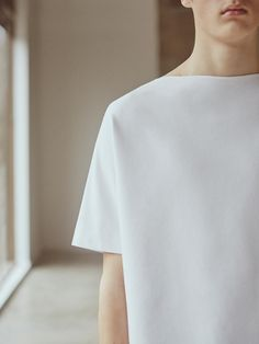 Mens Minimalist Fashion - My Minimalist Living Fashion Details, Look Fashion, Fashion Outfits, Mens Fashion, Fashion Design, White Fashion, Minimal Chic, Minimal Design, Minimal Fashion
