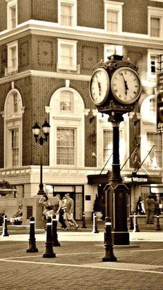 Downtown Greenville SC // yeahTHATgreenville #JennyKnowsGreenvilleSCRealEstate #JennyRogersTesner #GreenvilleSC