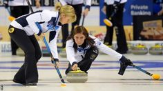 Scotland opened with victory at the World Women's Curling Championship in Beijing by beating USA 9-8.