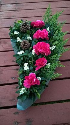 Cmentarz Funeral Arrangements, Silk Floral Arrangements, Cemetary Decorations, Christmas Decorations, Funeral Sprays, Casket Sprays, Funeral Flowers, Fall Flowers, Tropical Flowers