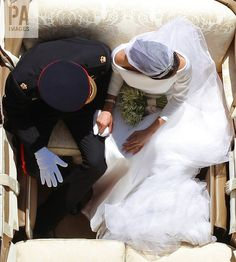 Every Stunning Shot From Meghan Markle and Prince Harry's Royal Wedding The Duchess was glowing. Prince Harry Et Meghan, Princess Meghan, Meghan Markle Prince Harry, Prince Henry, Foto Online, Harry And Meghan Wedding, Royal Wedding Harry, Prince Harry Wedding, Princesa Diana