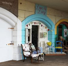 'Love Lucy' Studio Under the Arches on Brighton seafront Brighton And Hove, Brighton England, Arch House, Tiny Studio, Love Lucy, Deck Chairs, House Tours, Paint Colors, Arches