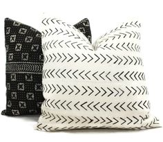 Decorative Pillow Cover White and Black Geometric African Mud Cloth, Hand made fabric from Mali or lumbar pillow Black Pillow Covers, Black Pillows, Decorative Pillow Covers, Throw Pillow Covers, Tribal Patterns, White Patterns, African Mud Cloth, Pillow Cover Design, Pillow Forms