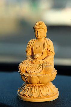 車上的佛像~阿彌陀佛_9896 | Flickr - Photo Sharing!