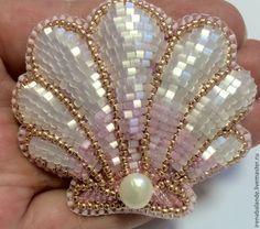 """Купить Брошь """"Seashell"""" - белый, розовый, жемчуг, ракушка, брошь, кулон, бисер японский, рубка"""