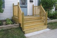 How to Build Wooden Steps for Mobile Homes | eHow