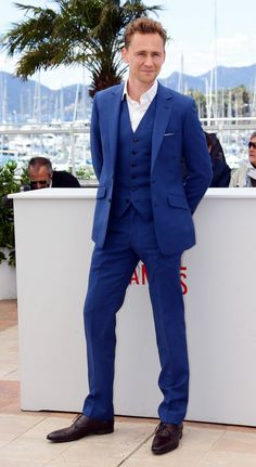 For the groomsmen without the coat maybe? (Btw, only suiting that Tom is wearing it)