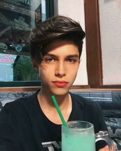 ∆Precioso∆ Men Tumblr, Tumblr Boys, Cute White Guys, Cute Guys, Beautiful Boys, Pretty Boys, Cute 13 Year Old Boys, Boy Face, Cute Teenage Boys
