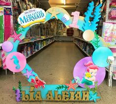 Disney Little Mermaids, The Little Mermaid, Photo Booth Frame, Photo Booths, Selfies, Birthday Cake, Baby Shower, Corsages, Ariel