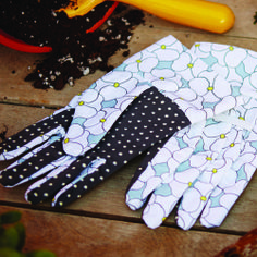 Get the FREE pattern to make your own gardening gloves. The April/May issue is hitting newsstands now!