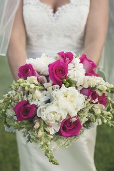 Oh my! Have you ever seen a bouquet so perfect?! // Allison Kuhn Creative