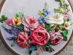 Ribbon Embroidery Tutorial, Rose Embroidery, Silk Ribbon Embroidery, Hand Embroidery Designs, Embroidery Patterns, 4th Year Anniversary Gifts, Bee Creative, Embroidery Boutique, Crochet Home