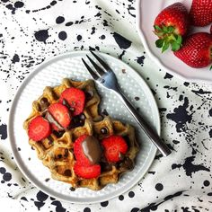 buckwheat and oat vegan waffles ❤️