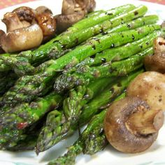 Roasted Asparagus with Mushrooms -  gimme gimme gimme!