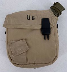 US American 2 quart canteen and olive cover shoulder strap