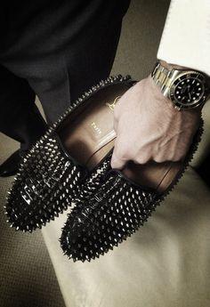 Para os noivos já que eles são parte importante do casamento :) #sapatosdecasamento
