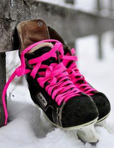 Mylo Xyloto ice skates ;) not a big fan of hockey skates.. yet i love this
