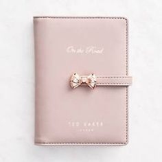 Ted Baker travel wallet is perfect for on-the-go girls! Feminine floral interior… Ted Baker travel wallet is perfect for on-the-go Ted Baker Tasche, Ted Baker Bag, Ted Baker Wallet, Bag Sewing Pattern, Ted Baker Accessories, Pink Accessories, Boutique Fashion, Cute Stationery, Stationary