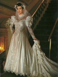 100 Anos de Moda em Vestidos de Noiva | Elas - TudoPorEmail