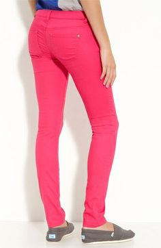 hot pink skinny jeans, awesome!