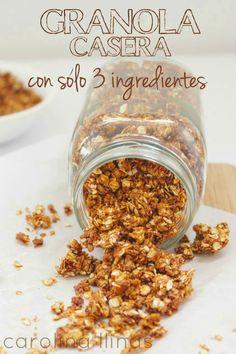 Aprende a hacer una deliciosa, nutritiva y saludable Granola Casera con tan sólo 3 Ingredientes. A mis niños les encanta para el desayuno y con ella reemplazamos los cereales cargados de azúcar que consumían en la mañana. También es una merienda súper sana para combinar con frutas o yogurt. Receta completa en el Blog. Vegan Recepies, Vegetarian Kids, Snacks Saludables, Healthy Desserts, Cooking Time, Kids Meals, Sweet Recipes, Love Food, Food And Drink