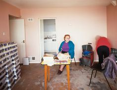 Tom Hunter - Holly Street Tower Block Project Series: Residents of Cedar Court - Contemporary Art History Of Photography, Documentary Photography, People Photography, Photography Ideas, Tower Block, Environmental Portraits, Galleries In London, The Shining, Photo Projects