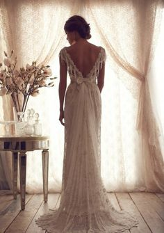 Elegant Exquisite Beading V-neck Cap Sleeves Backless Bow Court Train Anna Campbell Lace Bridal Gowns Wedding Dresses 2014 Y101