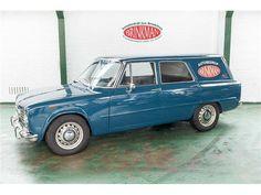 Deze blauwe Alfa Romeo Giulia 2000 Giorgetti Stationcar uit 1977 met tellerstand 52.037km wordt te koop aangeboden in Nederland. De Giulia in originele...