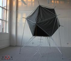 Pod dwelling - the prototype of portable dwelling created by the British artist and designer William Darrell.