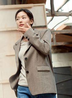 Jun Ji Hyun, Korean Women, Blazer, Jackets, Style, Fashion, Down Jackets, Swag, Moda